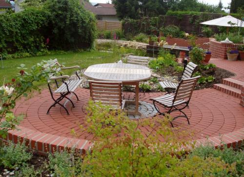 Sitzplatz im Garten-005